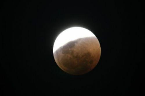 Lunar eclipse by Manuel Lopes