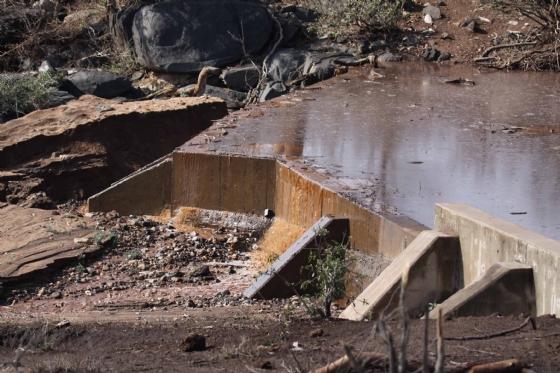 Ndlovu overflowing by Nic Holzer