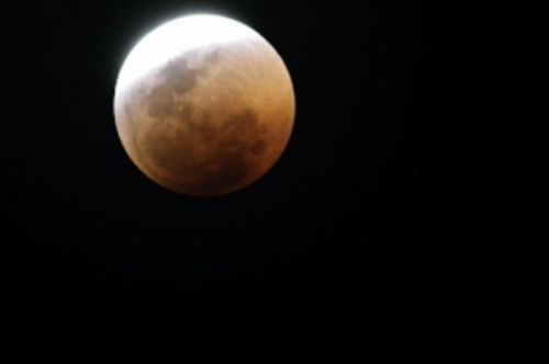 Total lunar eclipse by Manuel Lopes